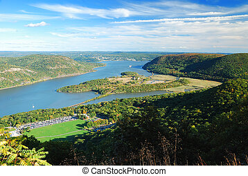 Hudson River mountain peak view in Autumn