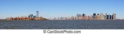 New Jersey and New York City Manhattan skyline panorama -...