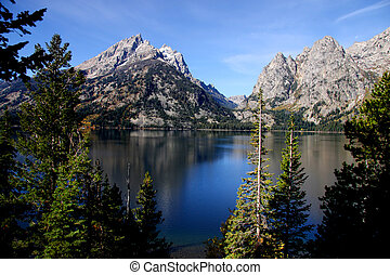 Grand Tetons and jenny lake landscape in Wyoming