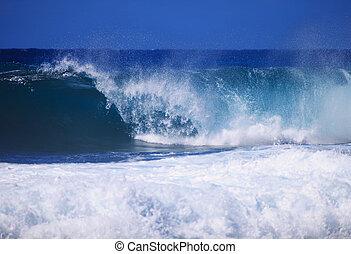 Storm surf surges against Oahu shor
