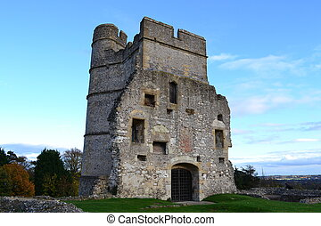 donnington castle remains in england berkshire