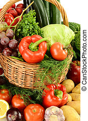 Raw vegetables - Composition with raw vegetables and wicker...