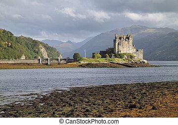 Eilean Donan Castle, Scotland - Eilean Donan Castle,...