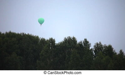 Balloon - Balloon over the forest