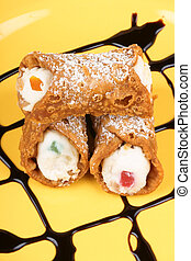 Original mini sicilian cannoli - Close-up of original mini...