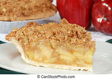 macro apple crumble pie on a plate