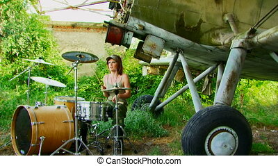 Girl on the drums - Creative shooting a clip for mounting...