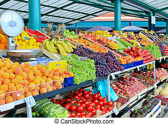 Vegetables and fruits - Fresh and organic fruits at farmers...