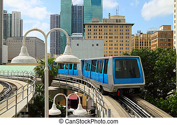 Metro Rail - 3 - The fully automated Miami downtown train...