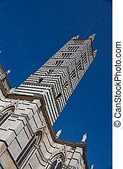 campanile siena