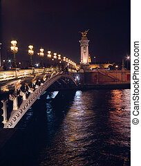 Pont Alexandre III at night.