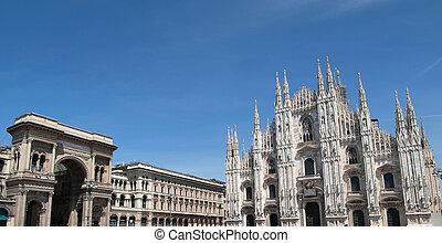 Piazza Duomo, Milan - The Piazza Duomo square in Milan,...
