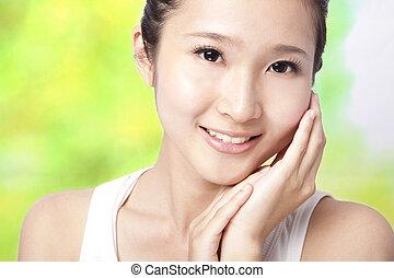 hermoso, mujer, joven, asiático, piel, cuidado