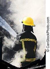 bombero, poniendo, afuera, casa, fuego