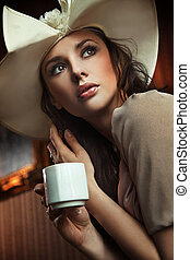 elegante, mulher, bebendo, café