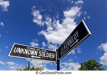 Arlington National Cemetery - Sign pointing to the Tomb of...