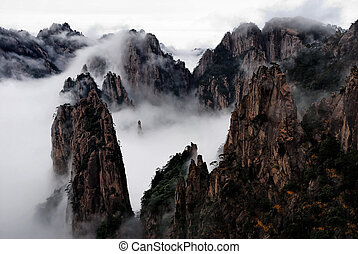 Huangshan Cloud Sea - The sea of clouds at Yellow Mountain...
