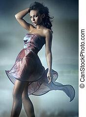Szexi, barna nő, feltevő