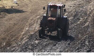 Poor tractor