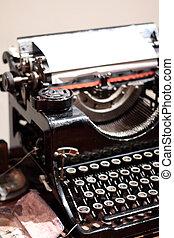 anticaglia, Tipo, Scrittore
