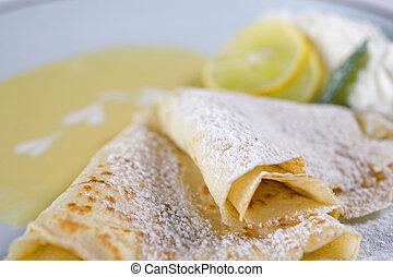 Crepes a la carte with fresh lemon - Lemon crepes a la carte...