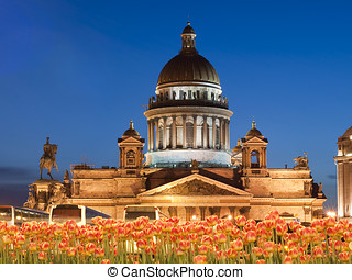 Isaakievsky cathedral in St-Petersburg - Evening kind on the...