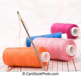 Carretel, fio, agulha, coser, acessórios