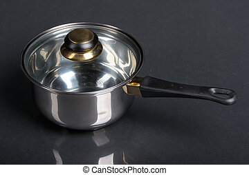 Metallic pan