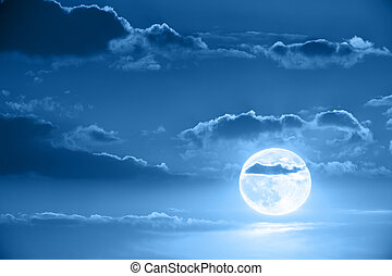 Moon in night sky - Beautiful full moon in scenic night sky