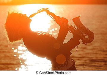 mulher, tocando, Sax