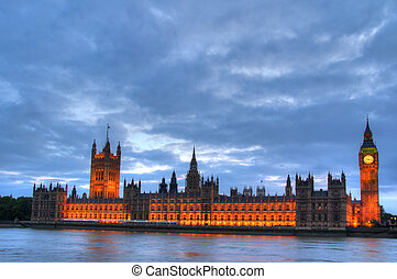 London Parliament Building - London, Government Houses of...