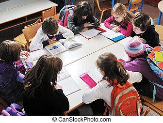 feliz, niños, profesor, escuela, aula