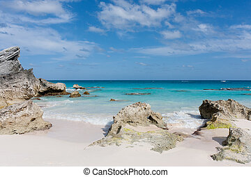 Bermuda beach - View of a deserted beach in Bermuda
