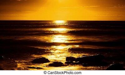 Sunset timelapse with waves crash o