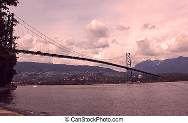 Lions Gate Bridge North Vancouver - Lions Gate Bridge...