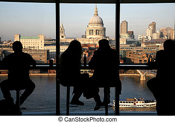 St Pauls Cathedral - A couple tourists over looking St Pauls...