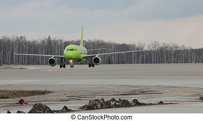 Airplane taxiing
