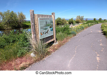 Visitors information Klamath Falls. - National wildlife...