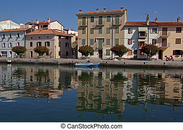 Houses on quay - Houses at the embankment in an Italien...