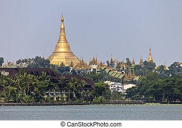 Shwedagon Pagoda - The Shwedagon Pagoda seen from Kandawgyi...