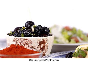 tempéré, sec,  olives, noir