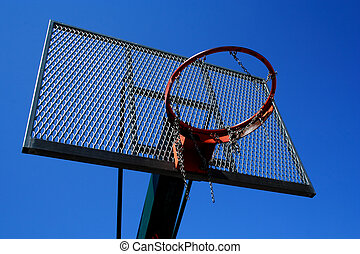 Basketball basket zoomed foto on blue sky