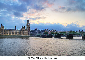 Westminster Bridge - London, Houses of the Parliament, Big...