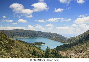 lake in Azores lagoa do Fogo