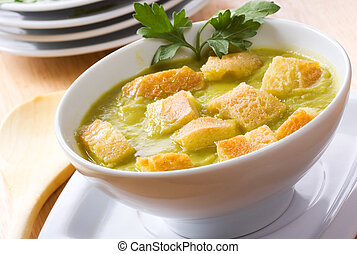 pea soup with toasts