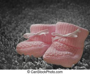 Newborn baby girl booties - Pink baby booties for newborn...