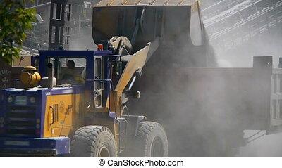 Loading ore rock