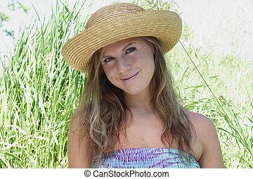 verano, sonriente, sombrero, mujeres