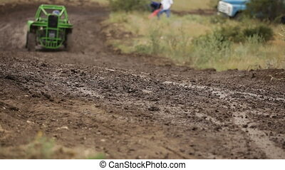 Racing buggy - High-speed race through the mud on the buggy
