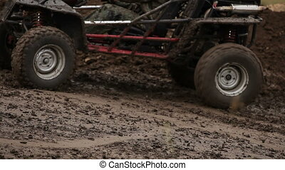 Sharp start - High-speed race through the mud on the buggy.